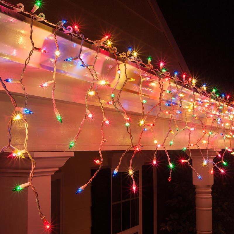 Наружное светодиодное освещение дома.